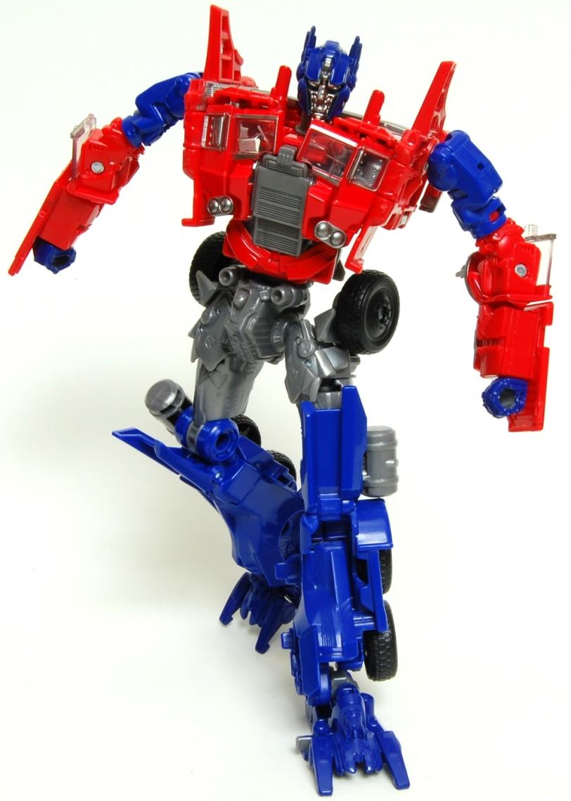Optimus Prime AoE Robot